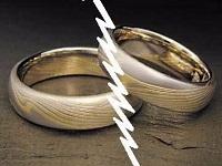 Muốn ly hôn khi chồng bị truy nã có được không