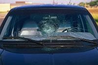 Ô tô sử dụng kính chắn gió bị vỡ sẽ bị xử phạt bao nhiêu?