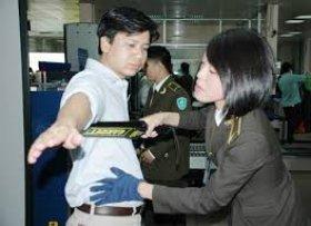 Kiểm soát an ninh hàng không đối với tổ bay, hành khách và hành lý