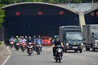 Tuyên truyền, phổ biến, giáo dục pháp luật về giao thông đường bộ