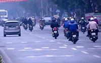 Xe máy chạy dưới tốc độ tối thiểu thì bị phạt như thế nào?