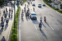 Xe máy chuyển làn đường không đúng nơi được phép xử phạt như thế nào?