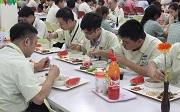 Tiền ăn trưa có bị tính thuế thu nhập cá nhân không?