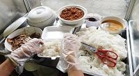 Vi phạm quy định về điều kiện bảo đảm an toàn thực phẩm trong kinh doanh dịch vụ ăn uống thuộc loại hình cơ sở chế biến thức ăn sẵn