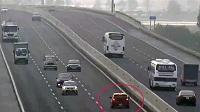 Đi xe ngược chiều trên đường cao tốc bị xử phạt thế nào?