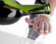 Hành vi nào bị nghiêm cấm trong phòng, chống tác hại của rượu, bia?
