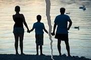 Lạm dụng việc thăm nom gây ảnh hưởng đến người trực tiếp nuôi con sau ly hôn