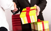 Miễn thuế đối với quà biếu, quà tặng