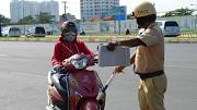 Người điều khiển xe máy không mang giấy phép lái xe bị phạt bao nhiêu?
