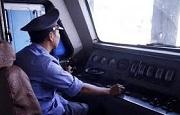 Người lái tàu điều khiển tàu chạy quá tốc độ quy định bị phạt bao nhiêu từ 2020?