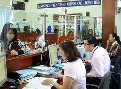 Nhận và xem xét đơn khởi kiện vụ án hành chính