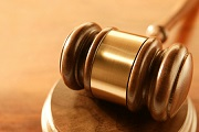 Phiên tòa xét xử sơ thẩm vụ án hành chính theo thủ tục rút gọn
