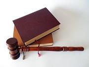Sử dụng giấy tờ giả để được cấp chứng chỉ hành nghề luật sư bị phạt bao nhiêu?