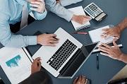 Vi phạm quy định về chế độ báo cáo, quản lý và cung cấp thông tin