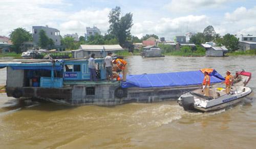 Vi phạm quy định về quản lý đường thủy nội địa