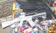 Xử phạt hành chính khi cho trẻ em sử dụng các loại đồ chơi nguy hiểm bị cấm